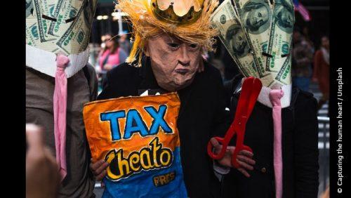 Protest gegen die unternehmensfreundliche Steuerpolitik von Trump im Sinne von Google, Amazon und Facebook